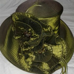 Dresses & Skirts - Suit and hat. 24W